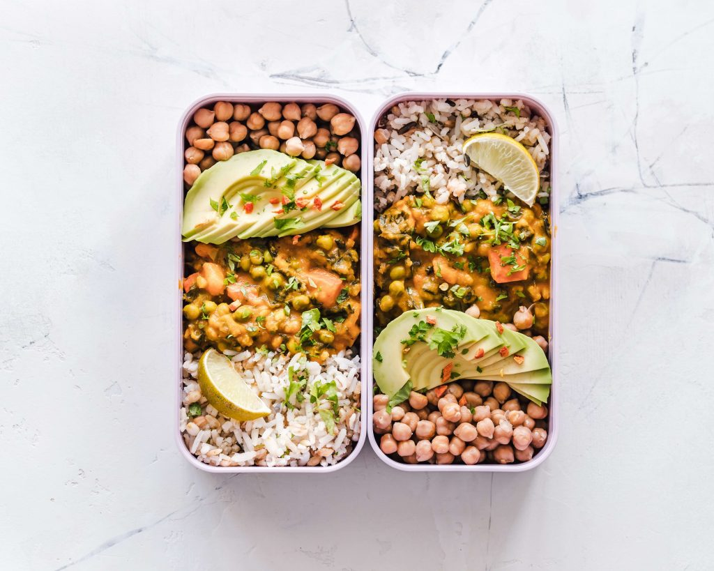 zero waste takeout containers with food inside